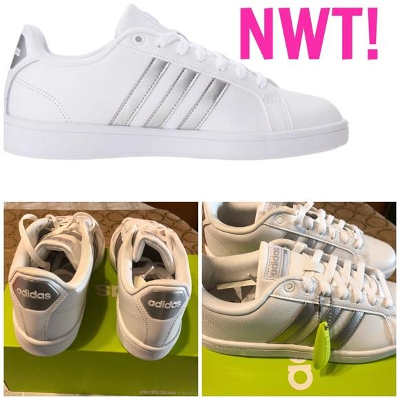 le adidas nwt cuoio cloudfoam vantaggio le scarpe da ginnastica poshmark